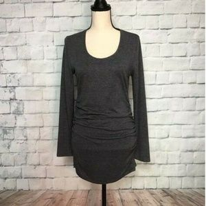 Ann Taylor Gray T-shirt Sz L wrinkled on the sides
